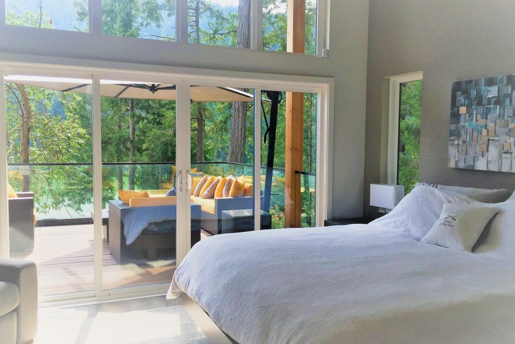 06-master-bed-2-1024x684