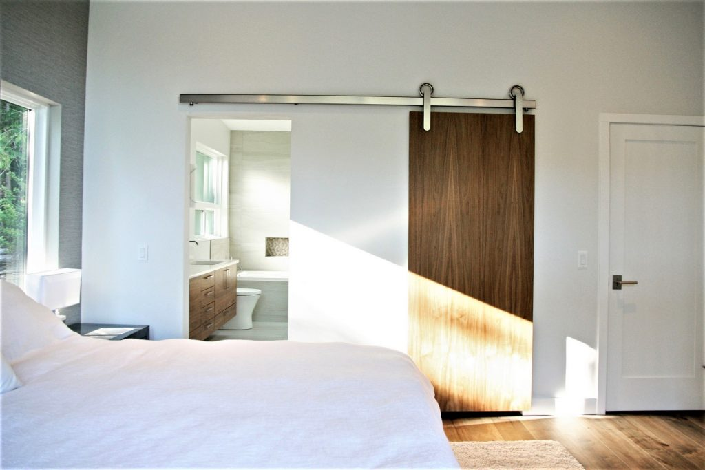 06-master-bed-5-1024x683